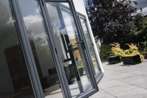 Liniar-Alumina-Bifold-Door- Resized 1024 x 681
