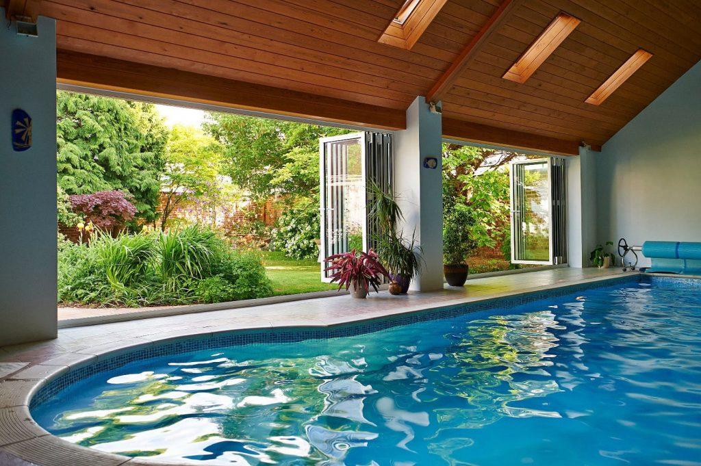SMART-Aluminium-Bifold-Doors-Visofold-Commercial-Swimming-Pool- Resized 1024x681