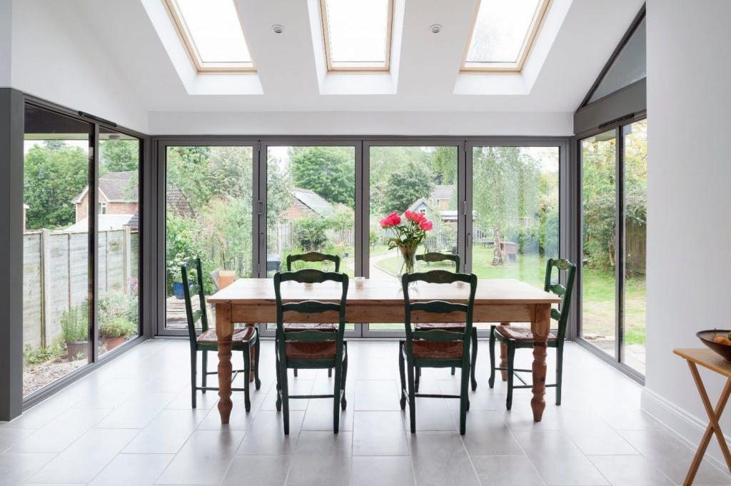 SMART-Aluminium-Bifold-Doors-Visofold-Home- Resized 1024x681